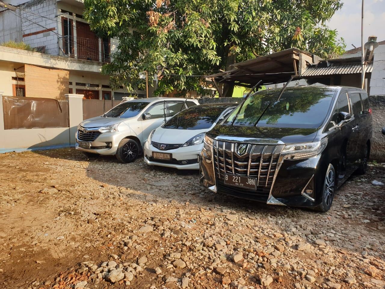 Jasa Sewa Mobil Mewah Alphard Di Jakarta Timur 081285092594