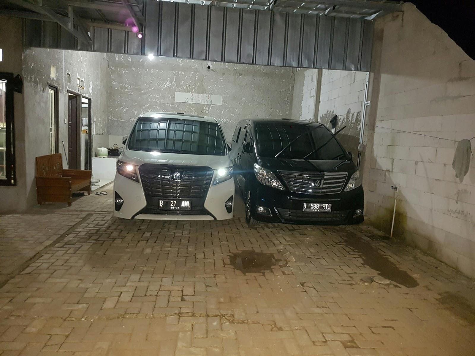 Sewa Mobil Alphard Di Jakarta Timur 081285092594
